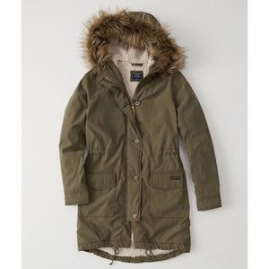 Abercrombie & Fitch Jackets & Coats - Abercrombie Sherpa Military Parka in Olive XXS NWT